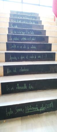 poema en escaleras